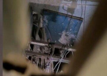 Лифт с украинцами сорвался с пятнадцатого этажа: первые детали и кадры жуткого ЧП в Польше