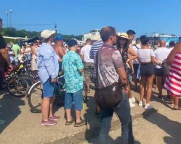 """В Одессе показали """"исцеление"""" мужчины на коляске, кадры: """"Рабочее время закончилось"""""""
