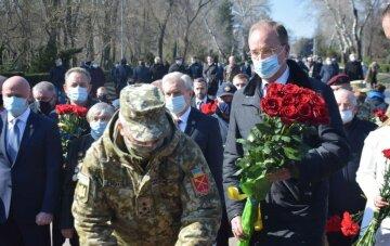 Карантин не перешкода: в Одесі відзначають День визволення міста, кадри