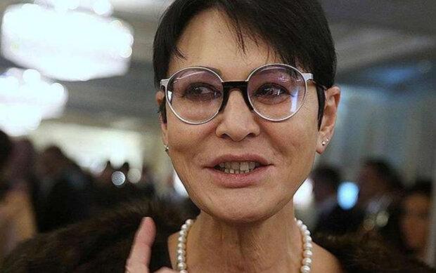 """""""Ну скільки можна воювати?"""": Хакамада вирішила відкупитися від України за Крим"""