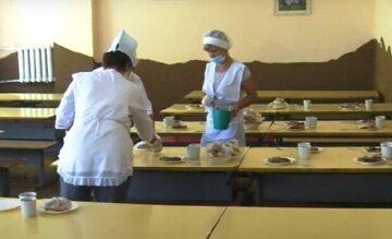 """Родителей школьников порадовали спецпитанием в школах Одессы: """"Оплачивается из бюджета"""