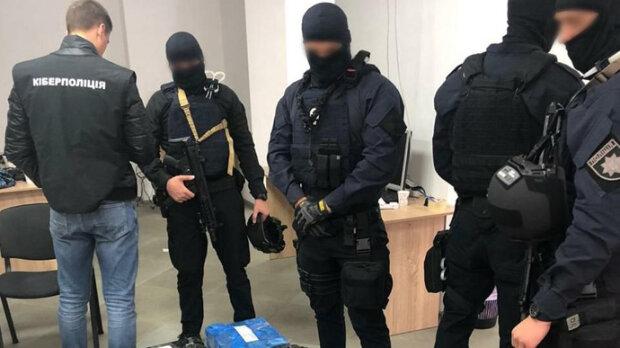 Півсотні українців попалися на вудку дніпровських шахраїв: подробиці схеми