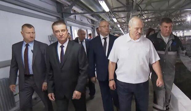 """Лукашенко, злякавшись білорусів, пішов назад: """"Ці Майдани - річ заразна"""""""