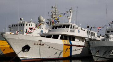 """""""Крим нікому не потрібен"""": легендарний український корабель перетворився в """"гниль"""", кадри"""
