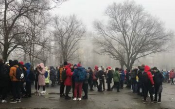 НП у київській школі: на місце з'їхалася поліція, дітей терміново евакуюють