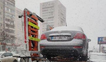 В Киеве предупредили о массовой эвакуации авто: кому не повезет