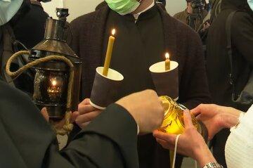 Священники УПЦ отправились с Благодатным огнем в зону ООС