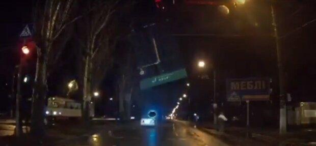 """Зухвалого автохама миттєво провчили в Одесі, відео: """"Летів на червоне"""""""