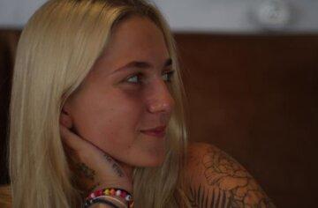 """Приемная дочь Потапа показала язык в Одессе и поразилась людям: """"Какие же тут..."""""""