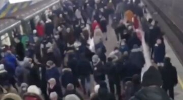 """""""Хотят, чтоб метро закрыли?"""": харьковская подземка во время локдауна огорошила людей, кадры"""
