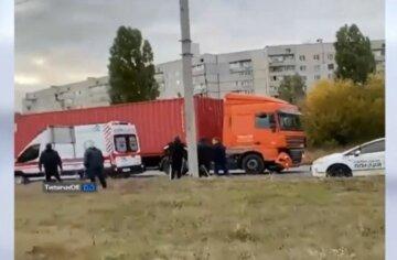 Грузовик сбил детей на переходе: трагическая авария всколыхнула Харьков, фото