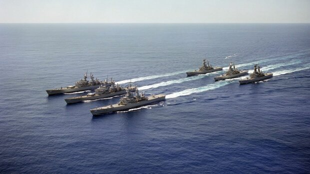 1280px-Six_nuclear-powered_guided_missile_cruisers_underway_in_formation
