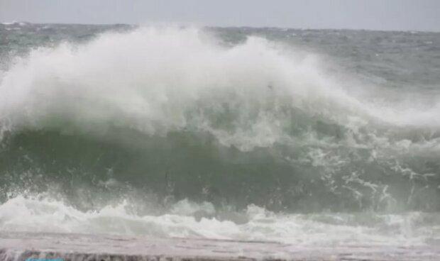 """Руйнівна стихія насувається на Одесу, зроблено екстрене попередження: """"Хвилі піднімуться до..."""""""