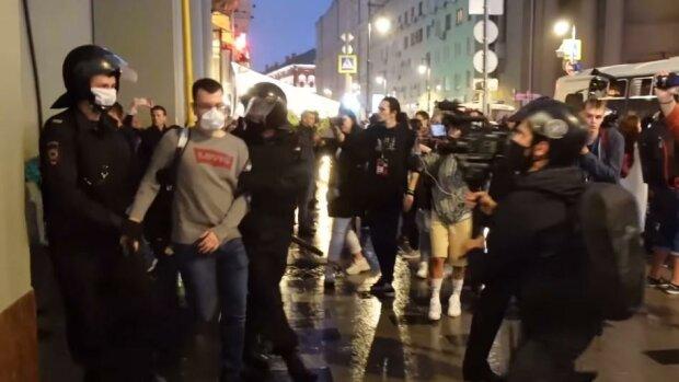Протест в Москві: силовики Путіна атакували людей, почалися масові зачистки, кадри