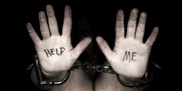 Торгівля людьми: скільки коштує продати дитину в рабство, вчинок українки шокує