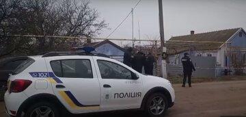 Девочка в синей куртке бесследно исчезла в Одесской области, фото: родственники и полиция сбились с ног