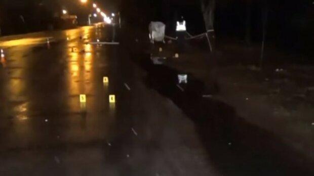 """""""Думал, что врезался в столб"""": пьяный водитель оставил умирать сбитого пешехода, кадры трагедии на Житомирщине"""