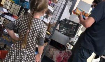 """""""Це наше майбутнє - немає слів"""": маленька харків'янка прославилася після лайки в супермаркеті, відео"""