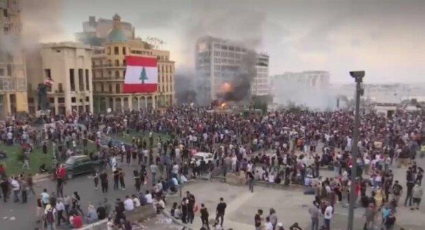 В Бейруте протестующие захватили здание МИД, десятки пострадавших ...