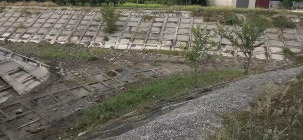 """""""Дві якісь калюжі"""": рекордна посуха залишила Крим без найбільшої річки, моторошні кадри"""