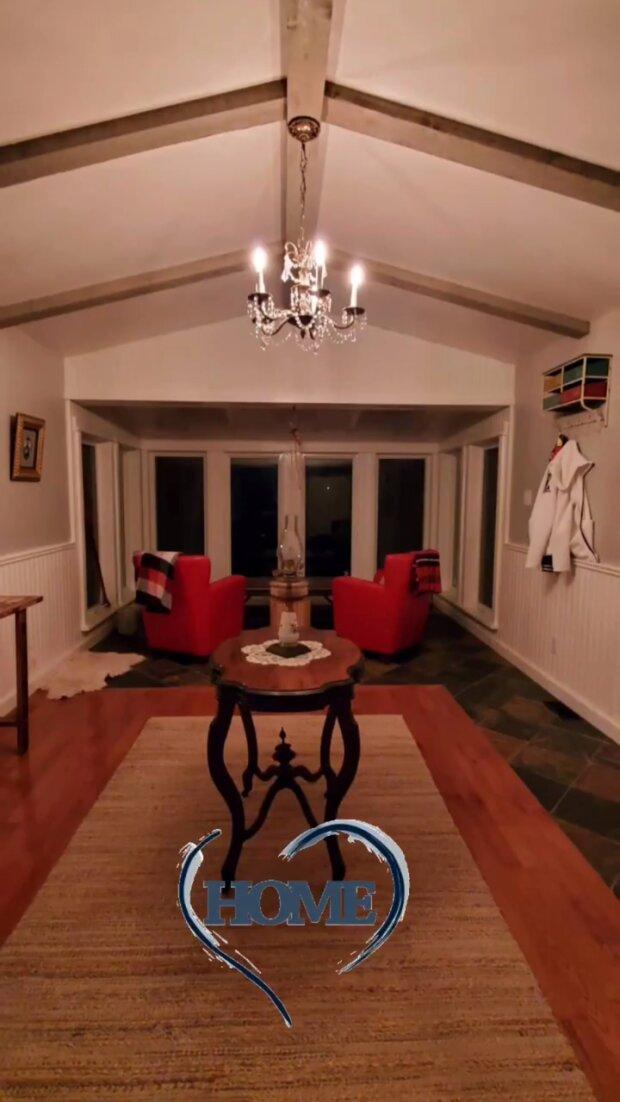 """Хименес-Браво из """"Мастер Шеф"""" засветил интерьер своего дома в Канаде: """"Ширма, грубая скамья и..."""""""