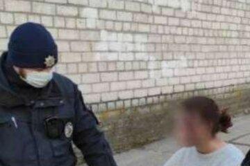 """Изрезанную 12-летнюю школьницу нашли посреди улицы в Днепре: """"Шла в сторону кладбища"""""""