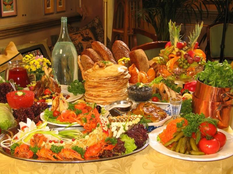 украинский стол с едой картинки сильно напоминает