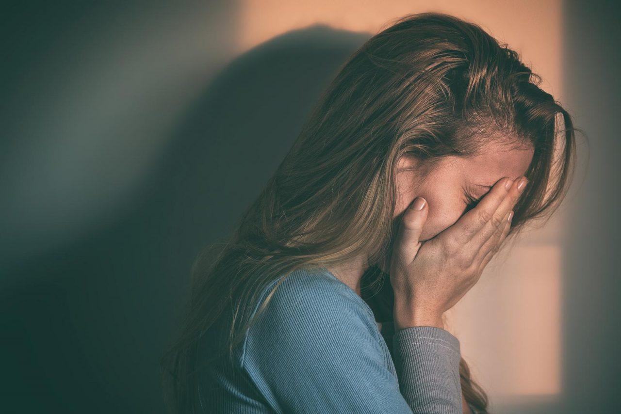 Девушка заплаканная фото