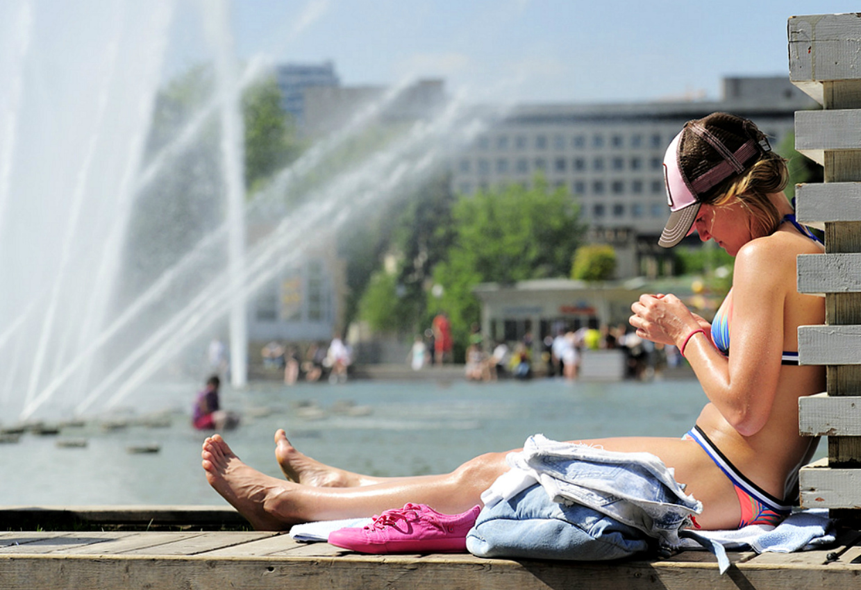 Картинки люди в жару