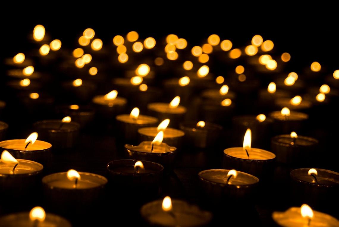 картинки с траурными свечами поможет режиме онлайн