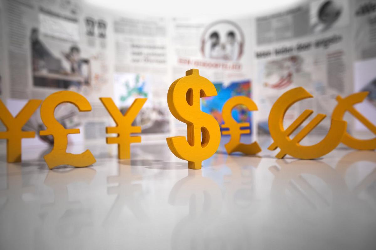 Как обозначаются доллары и евро