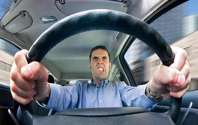 Українських водіїв почнуть карати по-новому