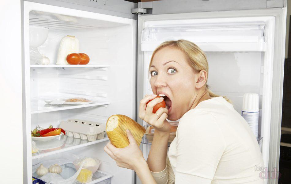 Почему ночью хочется есть: найдем виноватого