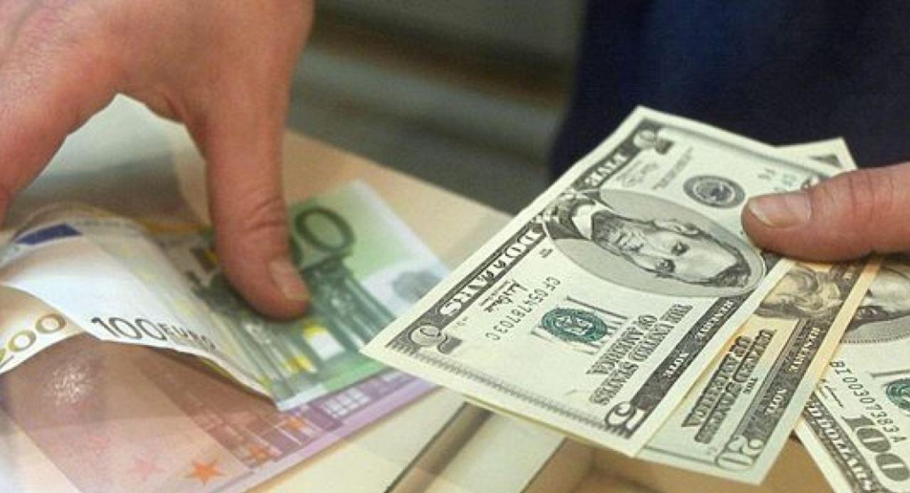 Отказ от доллара набирает обороты, банкам приказано готовиться к крайним мерам: появился документ